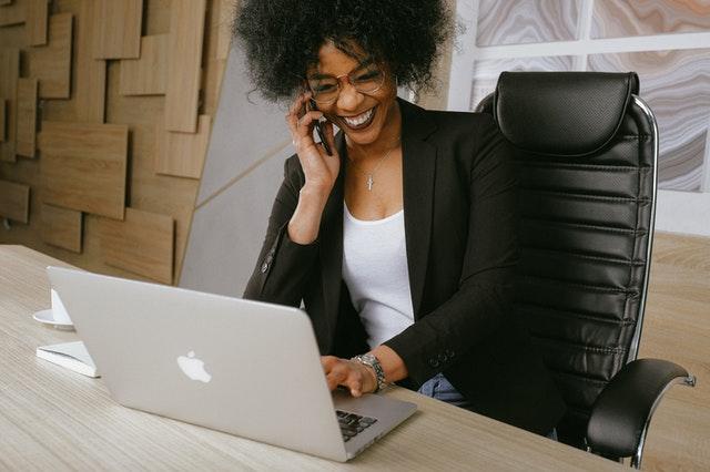 En god kontorstol gør dig og din ryg glad